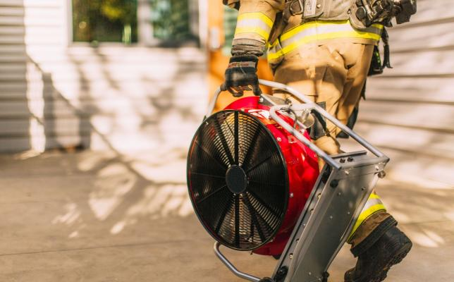 E-fan_Electric_battery_fan_for_firefighting_power.jpg