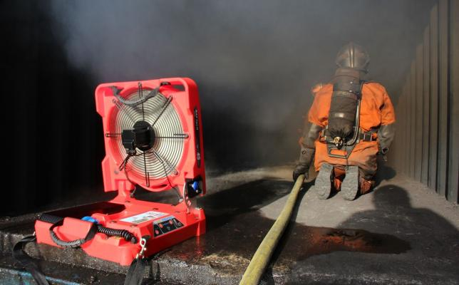 Electric_battery_fan_for_firefighting-BATFAN_2-Container.jpg
