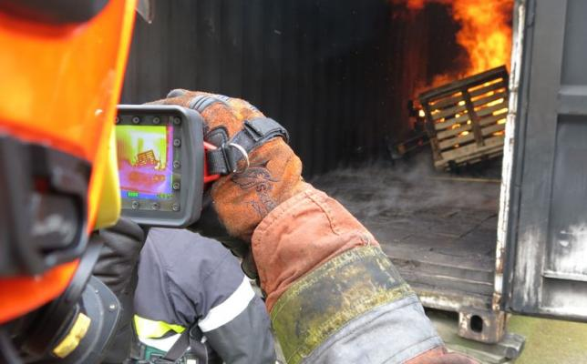 Thermal_imaging_camera-LEADER_TIC4.1_firefighter.jpg