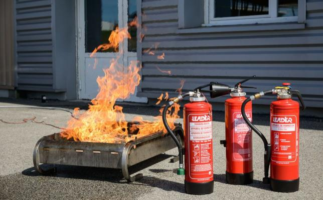 Training_fire_extinguisher_range_of_training_equipment.jpg